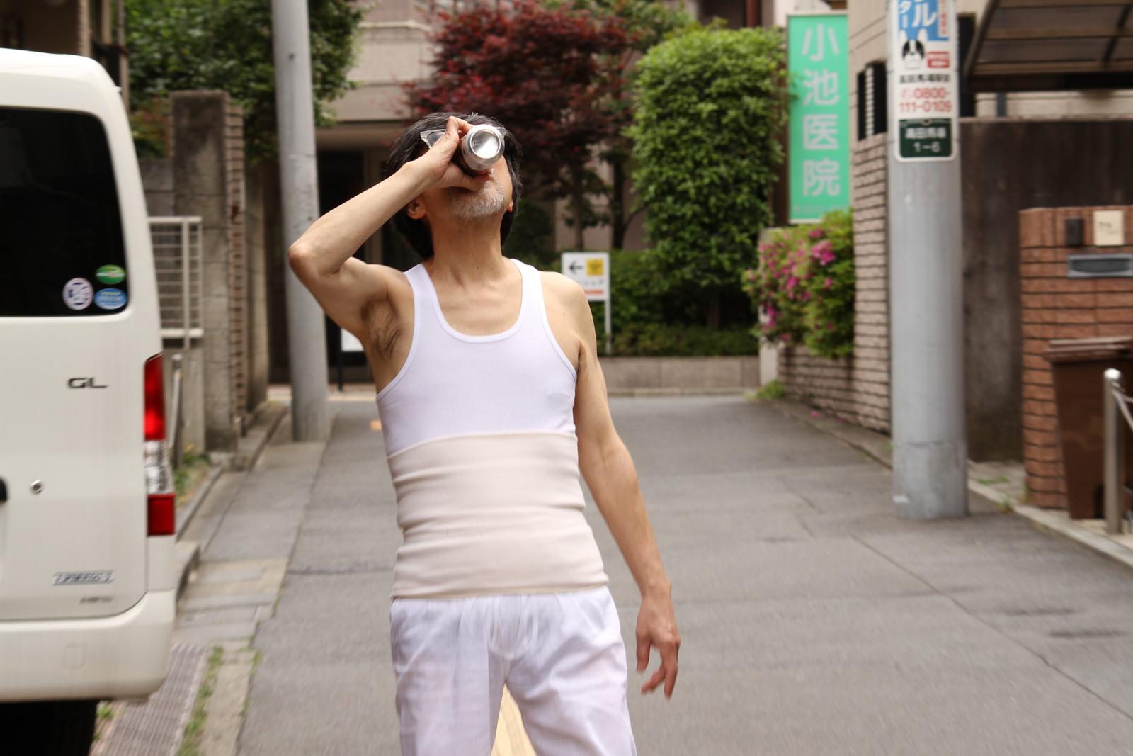 ファッションポイントは腹巻,シニア,写真,画像,素材,老人,高齢者,フリー