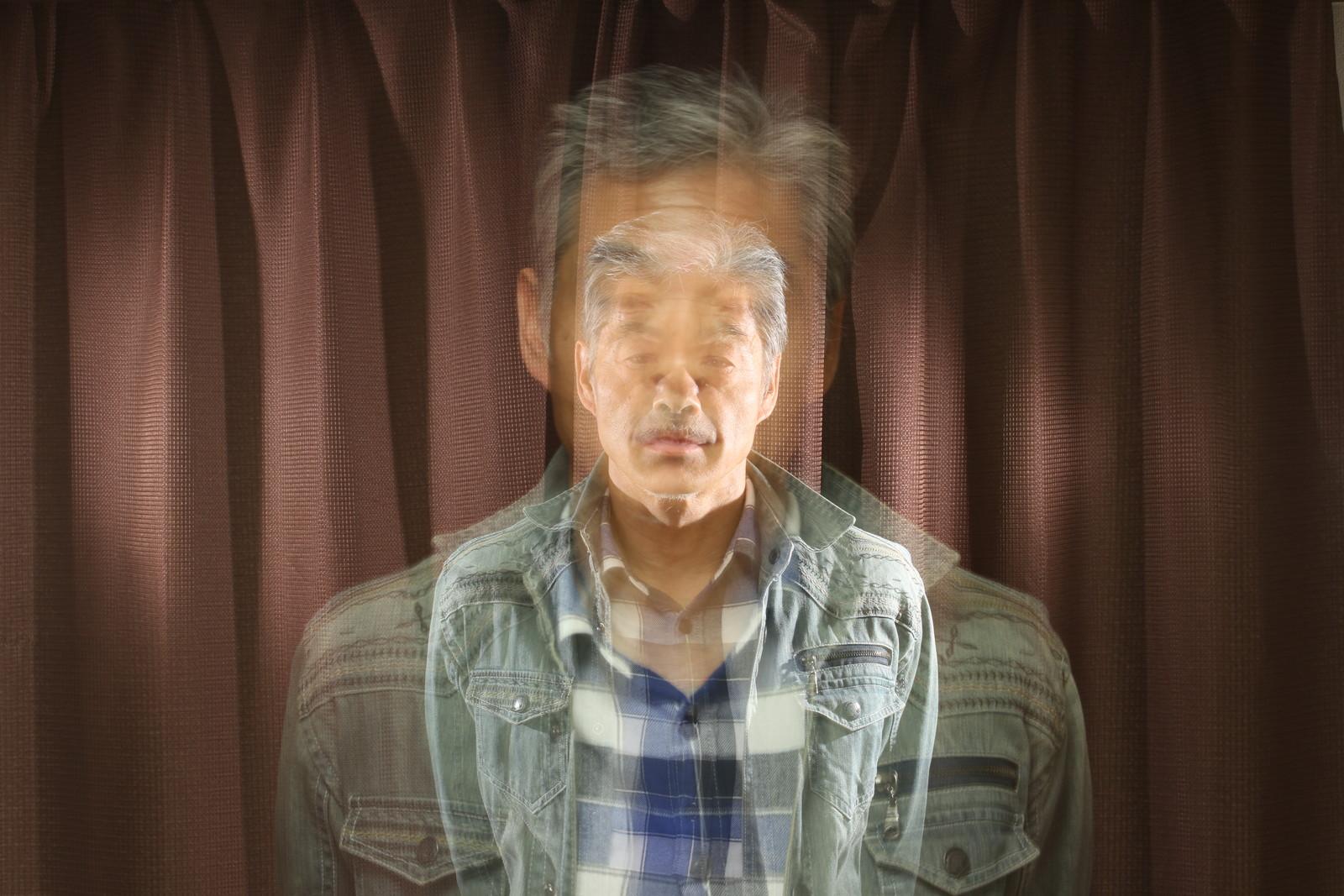 おじいちゃんはスタンド使い,シニア,写真,画像,素材,老人,高齢者,フリー