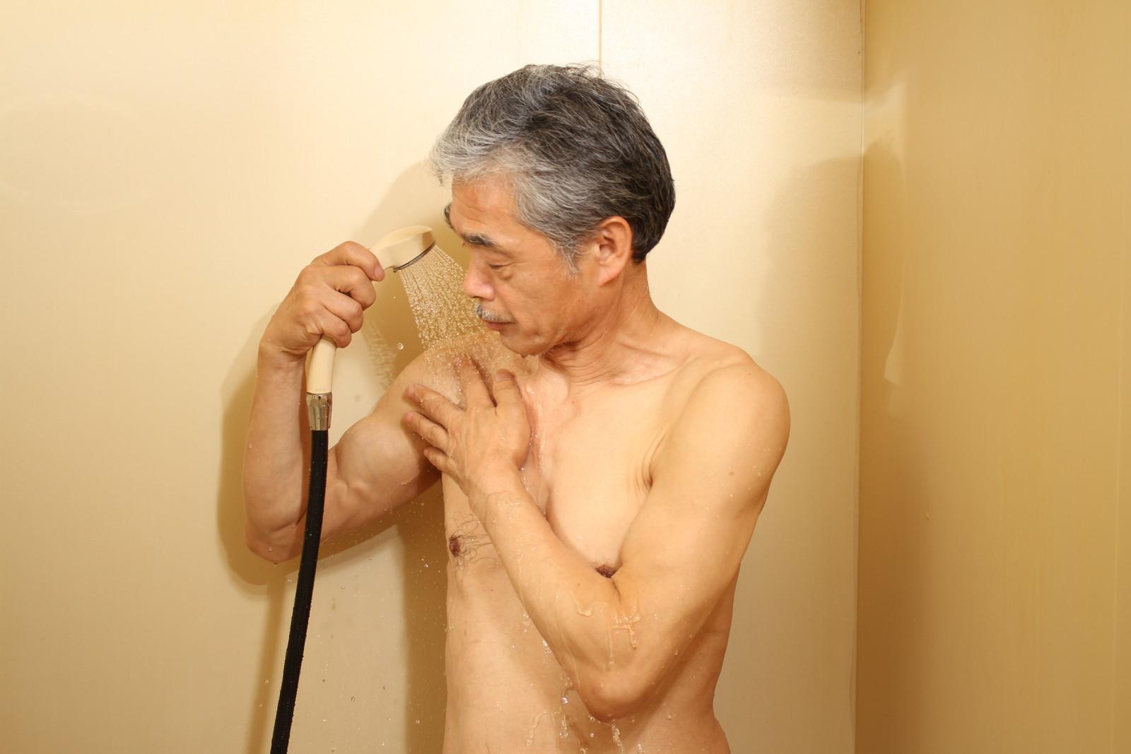 おい、オレの筋肉!!やるのかい?やらないのかい?どっちなんだい!?,シニア,写真,画像,素材,老人,高齢者,フリー
