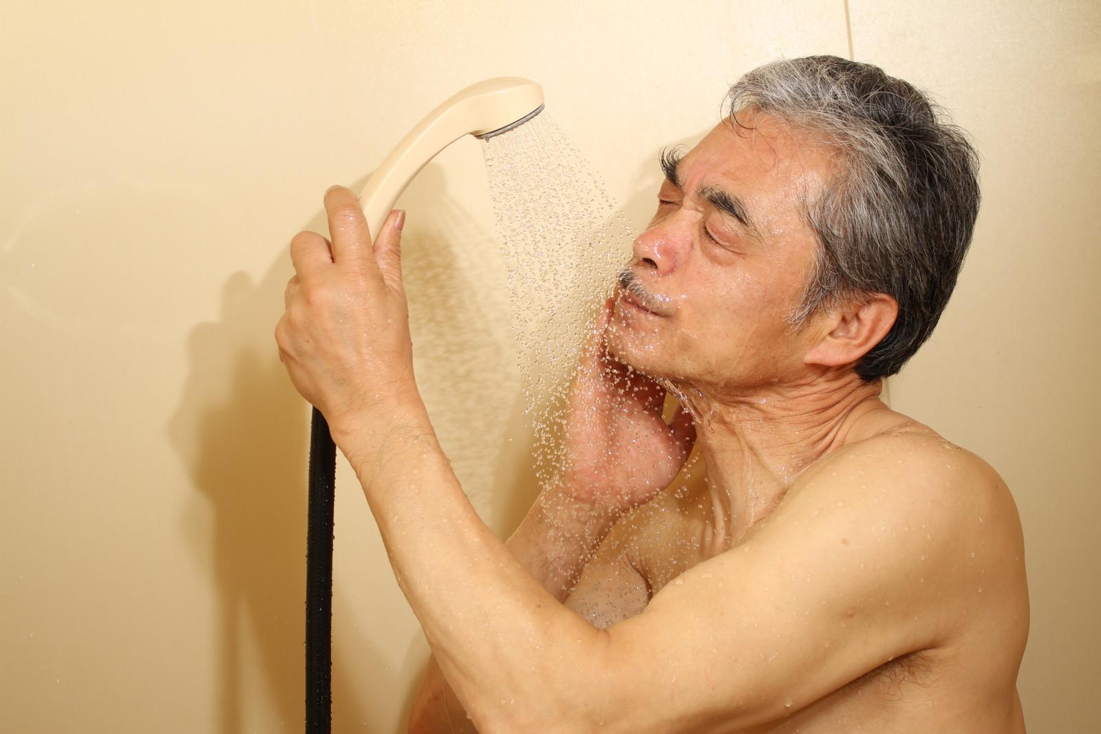 シャワーは1日3回浴びてます♪